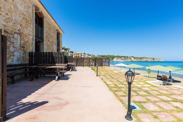 CRETA SEAFRONT RESIDENCES VILLA ON THE BEACH 3