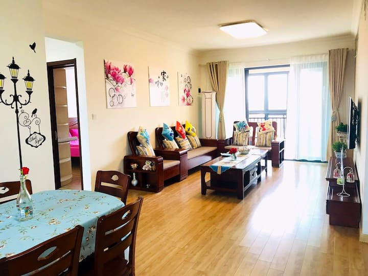 临湖景观三居公寓:简欧风格可做饭,自驾旅游休闲首选