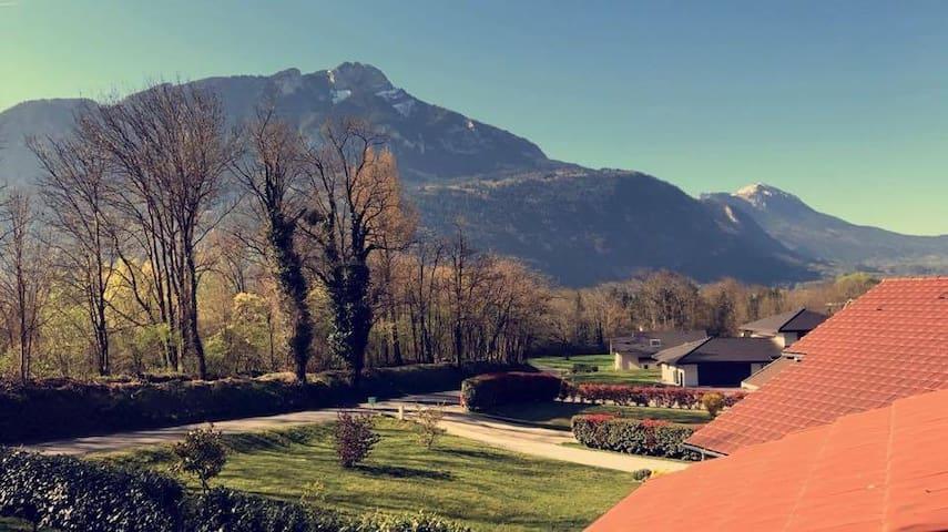 Villa vue sur les montagnes
