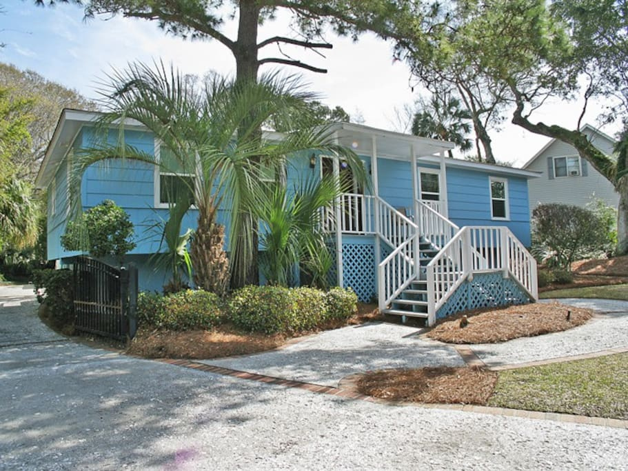 Cozy Beach Cottage With Private Pool Golf Cart Houses For Rent In Isle Of Palms South