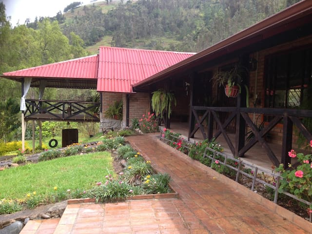 Suite en casa de campo en Tomebamba Paute Ecuador - Casa