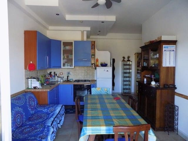Rome, blue kitchen, city and beach