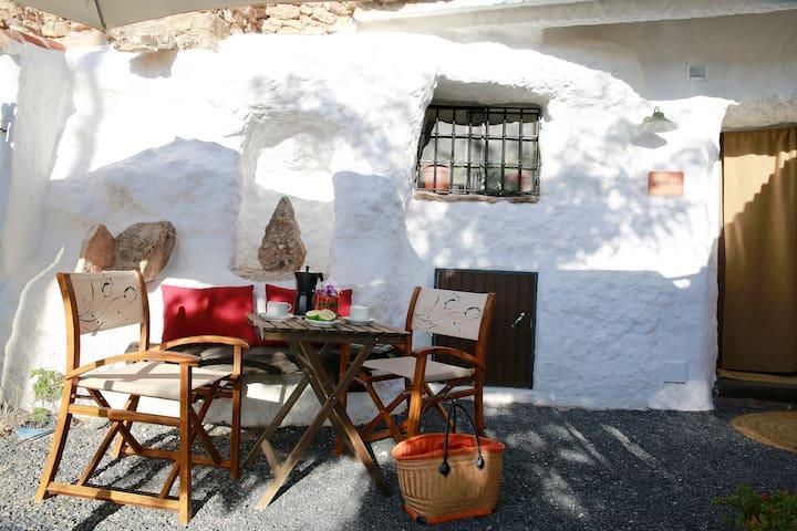 Cave Acacia Guadix Granada.Balcones - Guadix - Cave