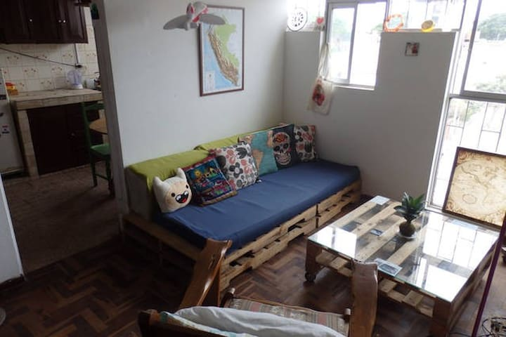 Habitación bohemia en depa compartido en Barranco - Barranco District - Kondominium
