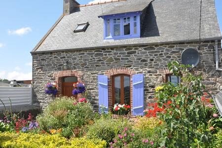 Maison en pierre typique Bretonne - Minihy-Tréguier - Ev