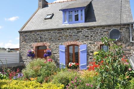 Maison en pierre typique Bretonne - Minihy-Tréguier - Talo