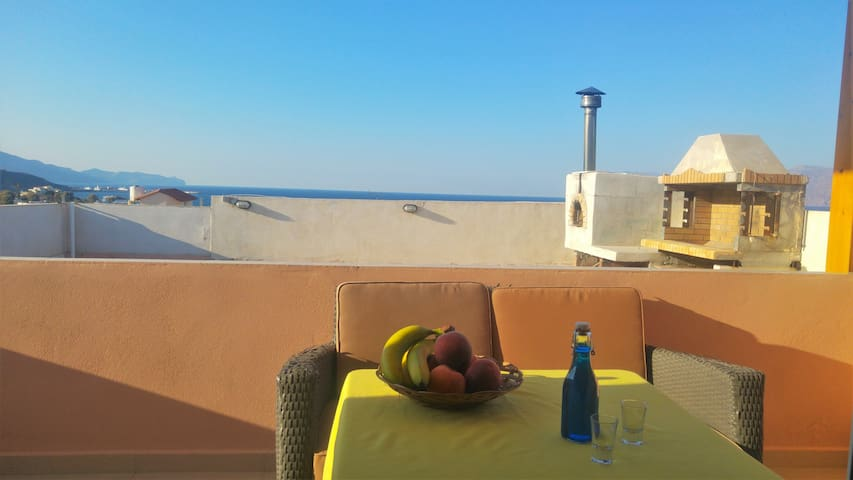 Penthouse with full view of the sea - Kissamos - Condominium