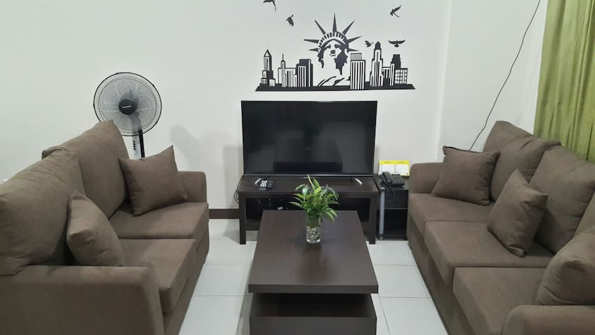 2BR Condo Good for Staycation (Netflix-ready)