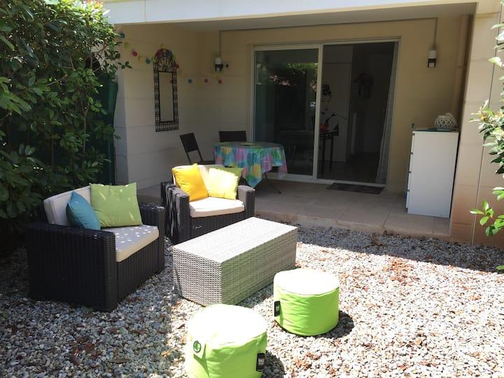 Joli studio avec terrasse et jardinet privatifs