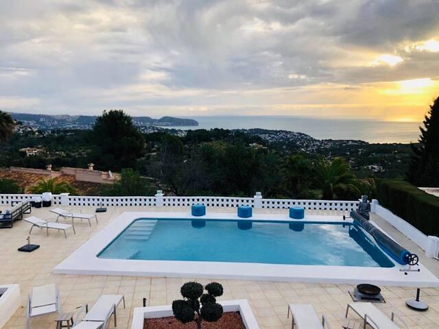 Luxury Room/Private Terras/Sea view/Breakfast incl