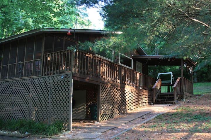Center Hill Lake -  Holmes Creek Cottage