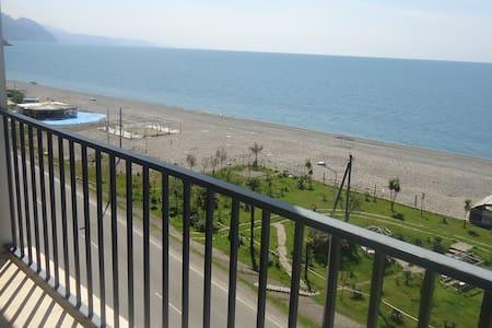 Солнечная квартира студия на берегу моря - Akhaltsikhe - Apartamento