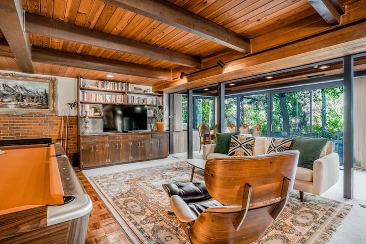 Mid-Century, Chautauqua 3 Bedroom Hidden Retreat