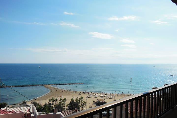 Un balcón dentro del mar.