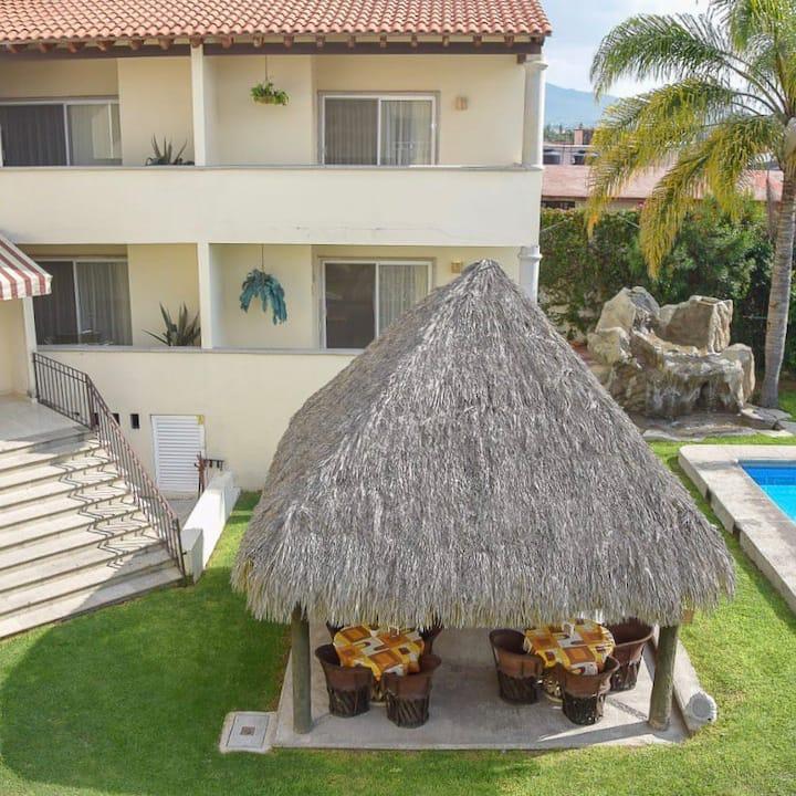 Villa con lujos de hotel en el corazón de Tequis
