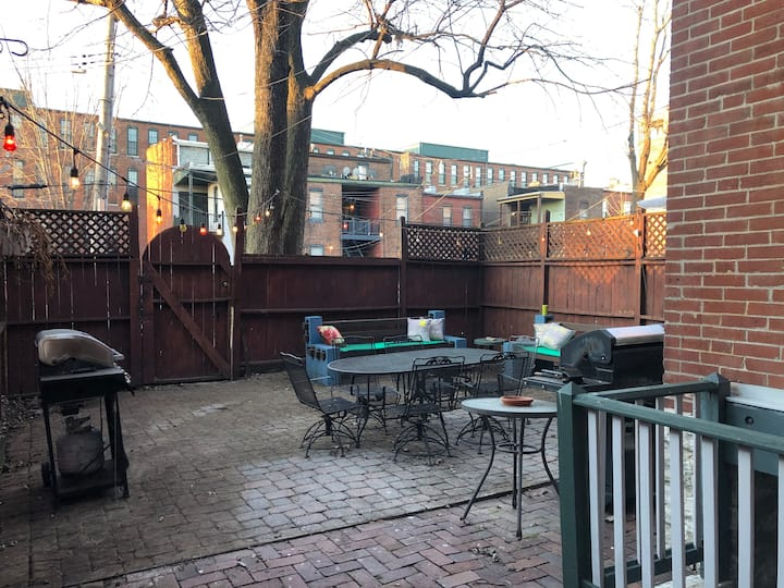 Large Home in Heart of Soulard- close to Downtown!
