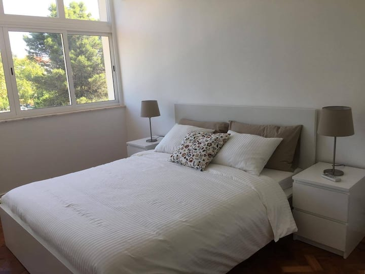 Cozy apartment near the airport and Tejo River