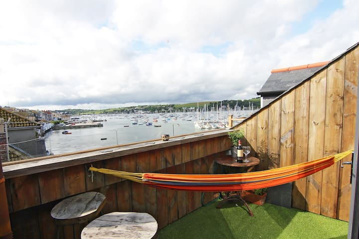 Sundeck - Zawn Haven, Falmouth