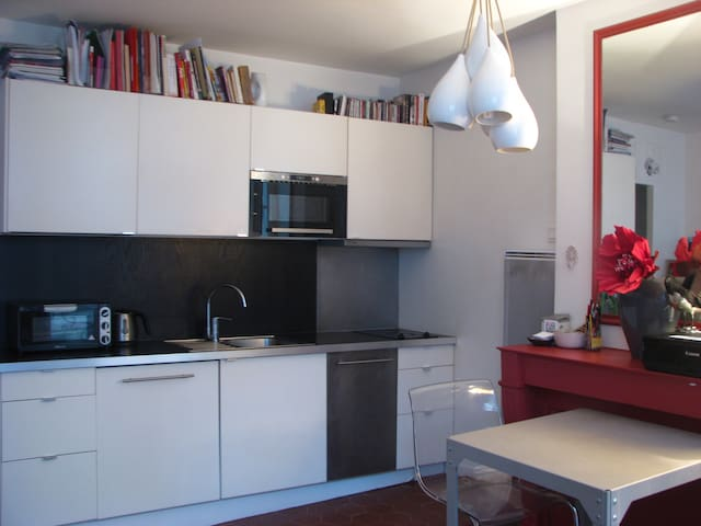 Lovely cosy Studio in the MONTORGUEIL QUATIER! - París - Departamento