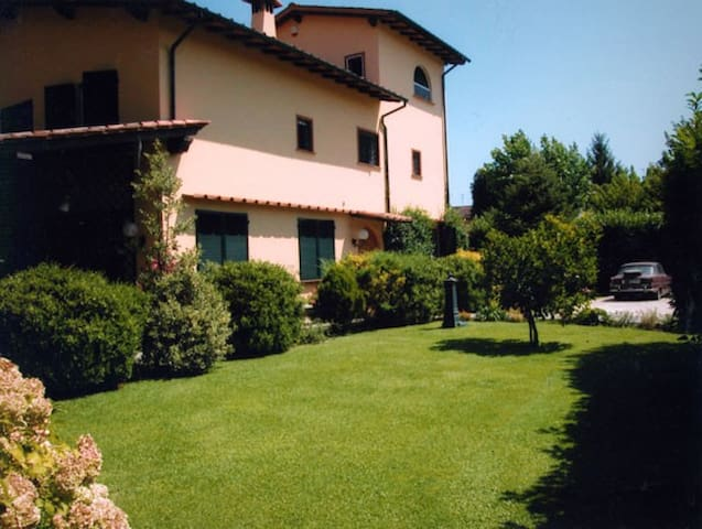 Bernardo Villa located in Versilia