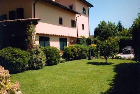 Bernardo Villa located in Versilia - Massa