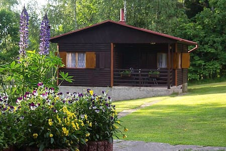 Log Cabin 2, Sleeps 5. Great views and activities - Želiv - Cabana
