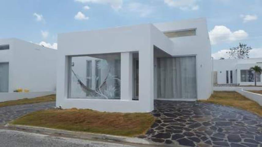 Alquilo Villa de playa en Rio Hato - Rio Hato - House