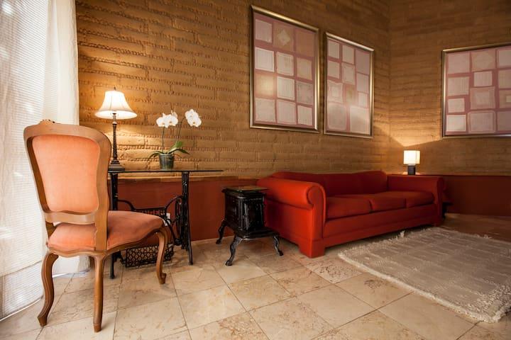 Cattleya Suite