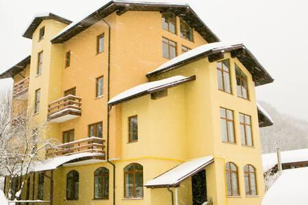 Апартаменты на Пчеловодов кв.13 - Сочи