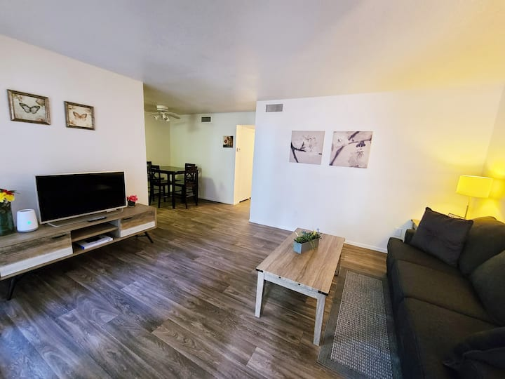 2 Bedroom Apartment with Netflix & Hbo!