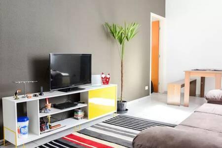 Apartamento moderno - Wifi & Netflix | Metrô - São Paulo
