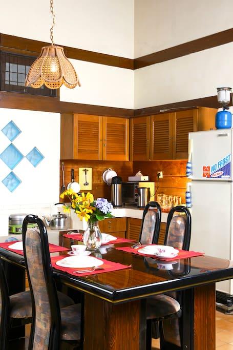 Premium Dining Room