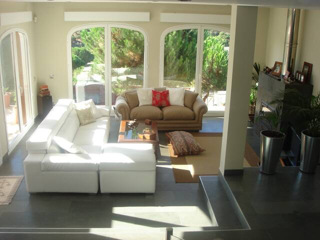 Habitación en chalet individual. - Valdemorillo - Chalet