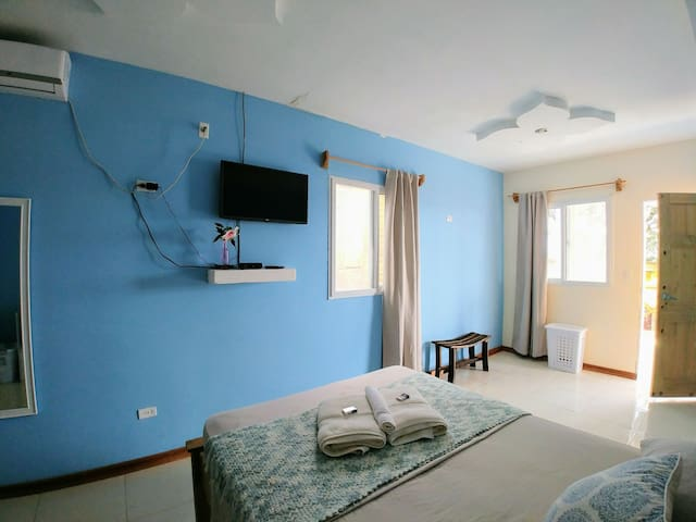 Double room with priv. bath - Sea Pearl Apartments