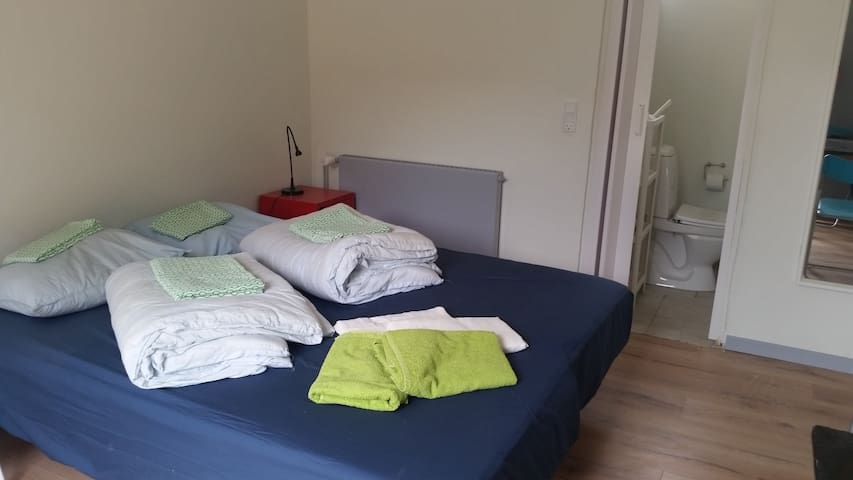 A2-A4 Double Room, private bathroom