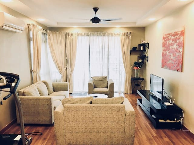 Cozy 1210sqf 3bdr near MITEC/Matrade/KL City 8pax