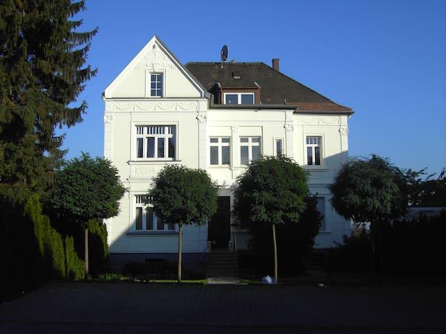 Jugendstil Villa - Close to Cologne - Brühl - Departamento
