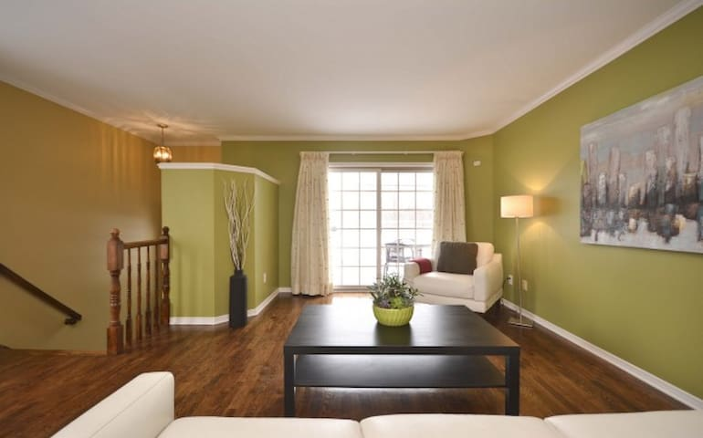 Beautiful river view,  3 km to Byward Market! - Ottawa - Maison