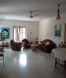 Private room in Koregaon park For Expats only.