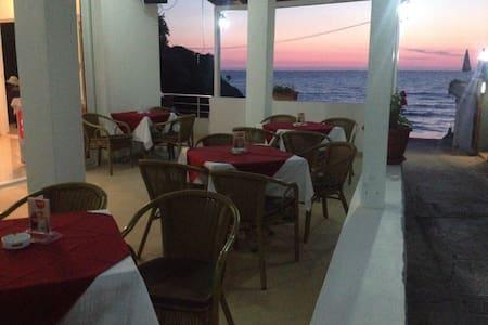 Studio apartment 10 m from beach 3 - Ulcinj