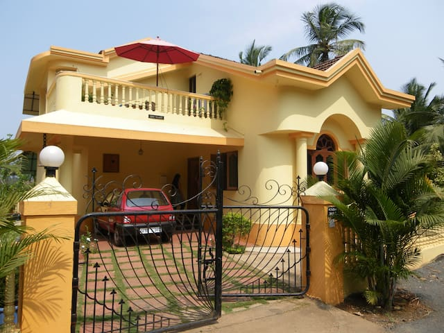 Varca Beach 3 BHK House with Garden.