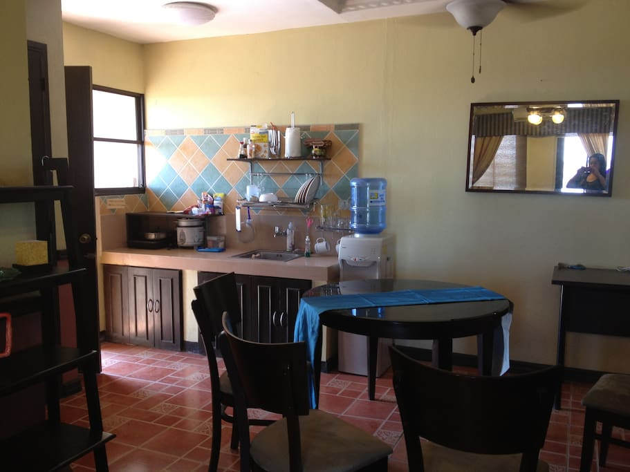 Kitchen and dining area, fully equipped