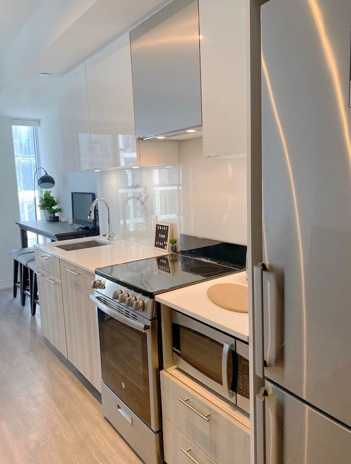 BRAND NEW STUDIO CONDO STEPS FROM EATON CENTER