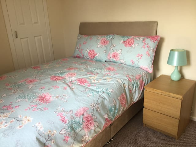 Bedroom 2, 1 xdouble bed