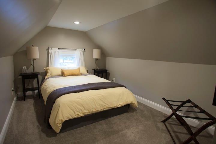 Vine Street Suite