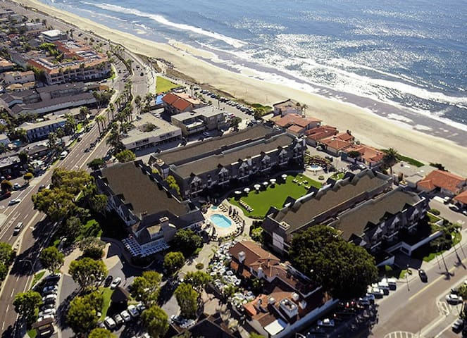 Carlsbad Inn Beach Resort in Jan 4th -11th, 2020