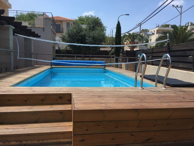 Kosher Villa with swimming pool in Zikhon Yaacov - Zikhron Ya'akov - วิลล่า