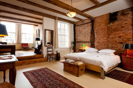 Classy room 17th Century Canalhouse - Amsterdam