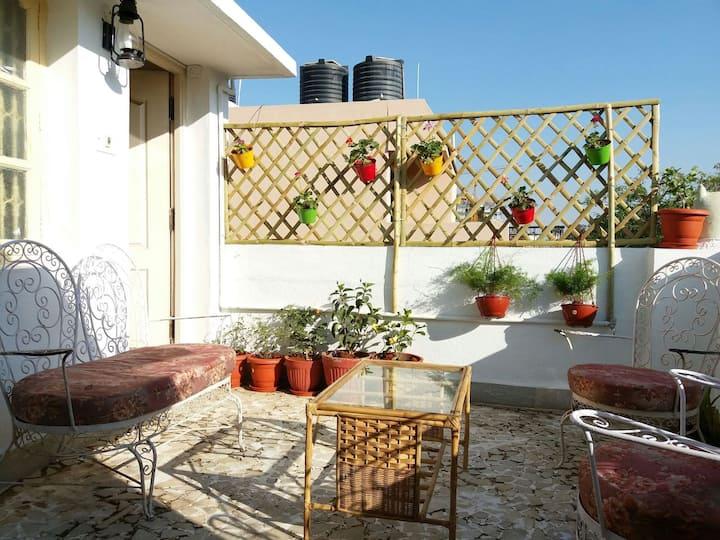 Small studio with garden terrace