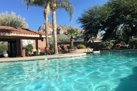Cozy with a View of the Catalinas - Oro Valley - Apartemen